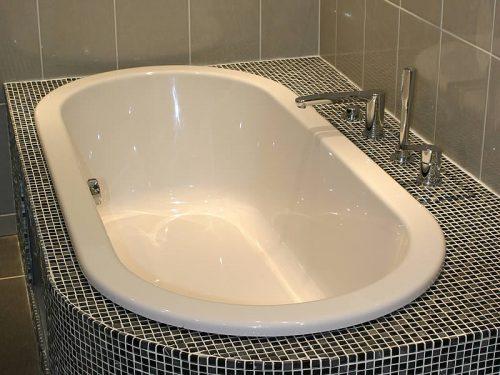 arcadia-inset-bath-tiles