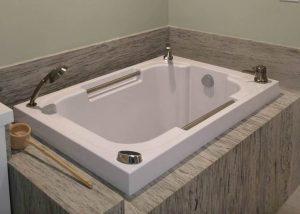 Nirvana Japanese style soaking tub, California USA