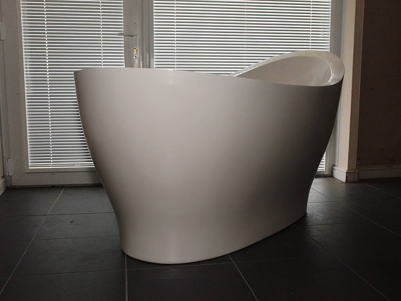 The Pleasance free standing bath