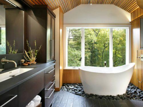 The Pleasance Plus free standing bath