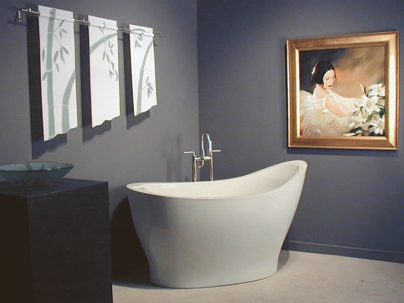 The Pleasance - a slipper style free standing bath