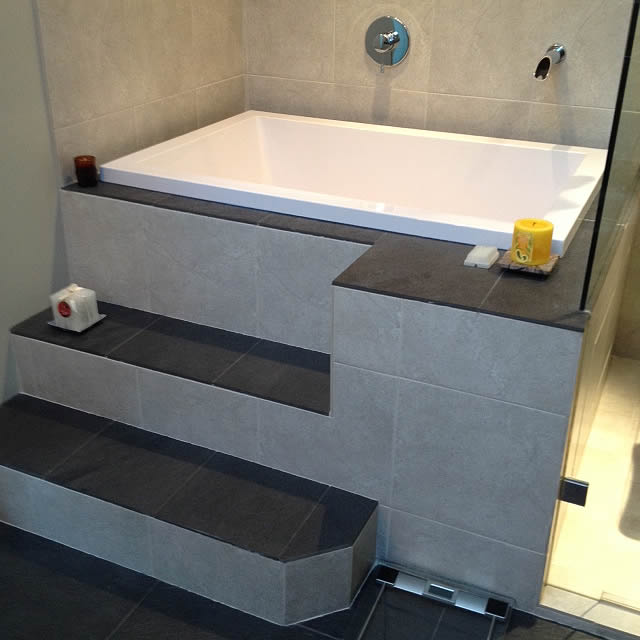 Deep soaking tub vancouver canada cabuchon for Deep built in bathtubs