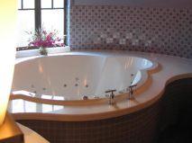 a bespoke hydrotherapy bath