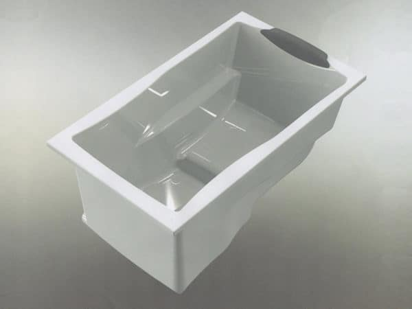Design of the Yasahiro deep soaking tub