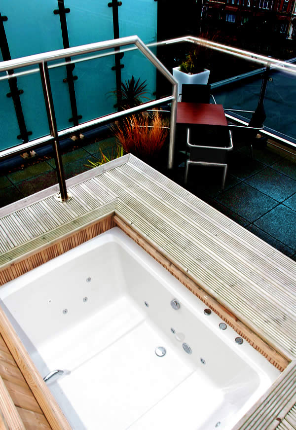 2 Seats For Shared Bathing | Xanadu Deep Soaking Tub