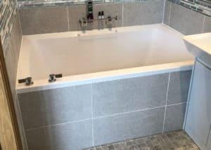 Xanadu 2-person deep soaking tub